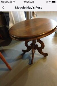 Antque oval table solid