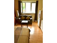 BIG DOUBLE ROOM WITH BALCONY CLOSE TO COLUMBIA ROAD MARKET E2 0BE