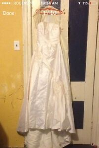 Beautiful wedding gown for sale