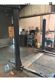 Tecalemit 2.5t 2 post car lift ramp garage jack garage lift
