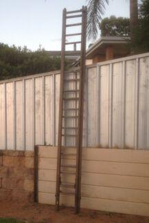 Wooden Extension Ladder