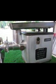 Mincer and sausage machine