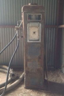 Cash paid. Wanted petrol bowsers. Oil bottles. Signs  Toronto Lake Macquarie Area Preview