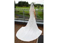 Stunning Wedding Dress at bargain price!!!