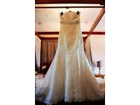 💞💕💞💕Stunning wedding dress size 12💞💕💞💕💞