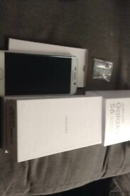 Samsung Galaxy S6 edge white, boxed with charger