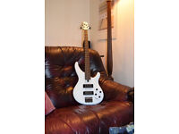 Yamaha TRBX304 Bass 2014 White