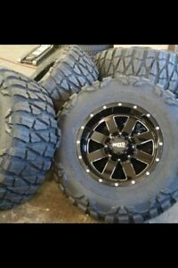 """20"""" Moto metal 962 with 35"""" nitto extreme m/t"""