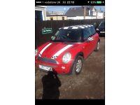 Mini Cooper 2003 in red