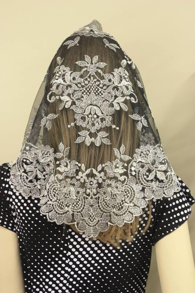 Spanish Style Veils And Mantillas Church Latin Mass Tridentine - Large - $33.99