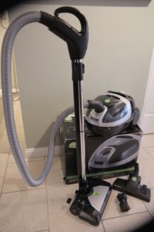 wertheim deep cleaning engineering vacuum cleaner $450 Picnic Point Bankstown Area Preview