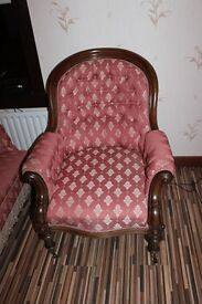 antique suite, 6 piece,5 chairs and sofa,beautiful condition, may suite hotel