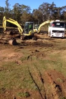 Soil removal & land fixing, bobcat, excavator & truck ready for job Austral Liverpool Area Preview