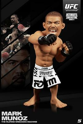 MARK MUNOZ ROUND 5 UFC SERIES 11 REGULAR EDITION FIGURE - PACKAGE DAMAGED