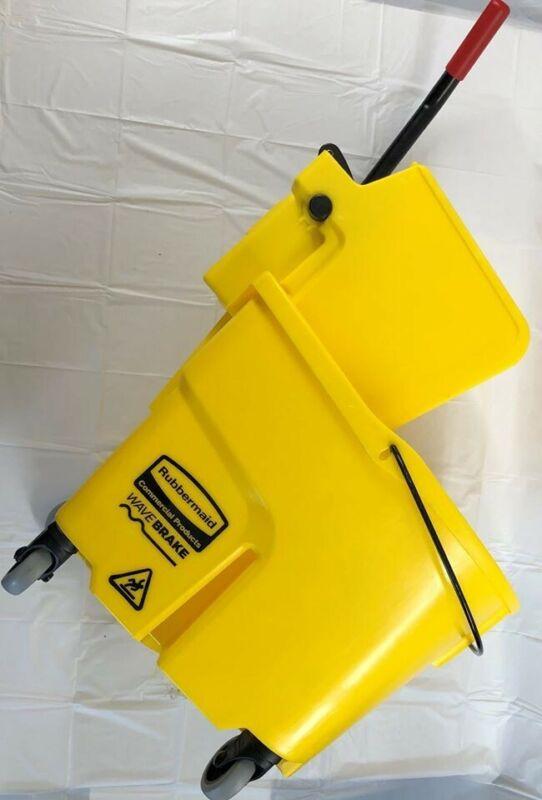 Rubbermaid Wave Break Mop Bucket New Open Box!!!