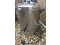 Tea Urn 30L needs descaling small leak on tap but works fine.