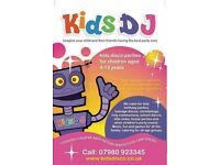 KIDS DISCOS - KIDS DJ - ENTERTAINER : Manchester, Warrington, Cheshire, Merseyside, Lancashire