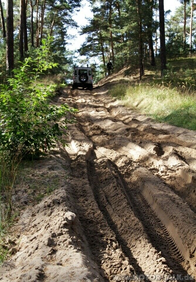 Maximal Offroad in Horstwalde : Land Rover Experience Tour ...