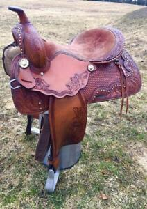 Saddles / Shipping / Various models and pricing !