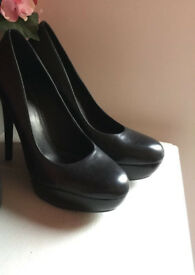 Leather Heels Aldo Never Worn SIZE 7