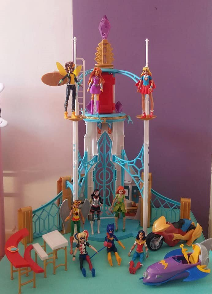 DC Superhero Girls Playset & 9 Characters | in Maryhill, Glasgow | Gumtree
