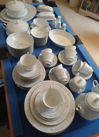 Noritake 93 Piece Fine China Dining Set, New condition