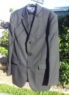 Black Mens Suit Only Worn Once ($399 at MantoMan)