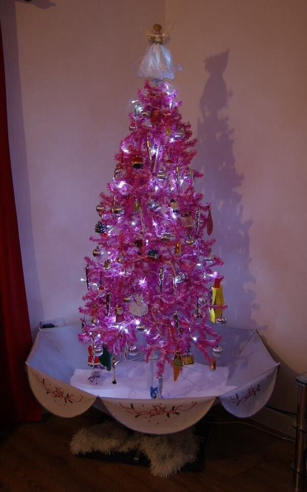 Pink snowing christmas tree - Pink Snowing Christmas Tree In Bourne, Lincolnshire Gumtree
