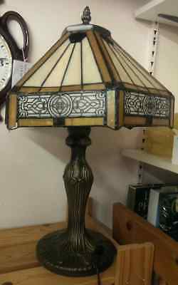 TIFFANY STYLE LAMP, METAL BASE.HAND CRAFTED GLASS SHADE [DAMAGE TO ONE CORNER AF