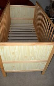 COT BED WITH TWO SIDES FOR BABY TO TODDLER