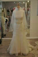 Vera Wang Strapless Bridal Gown *Never Been Worn* Size 4-6