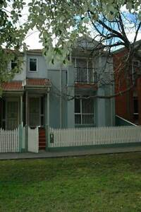 Set right on the park, heating and aircon, lovely room for rent Preston Darebin Area Preview