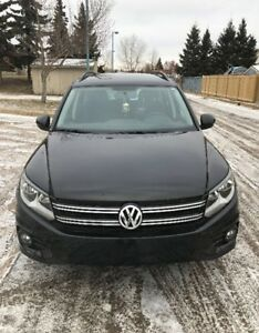VW Tiguan 2014 **NO ACCIDENTS, ONE OWNER, WARRANTY TILL 2018 AWD