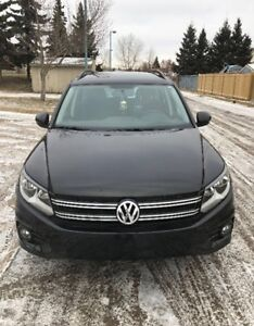 VW Tiguan treadline all wheel drive, no accidents