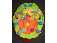Portable zip-up Red Kite play mat