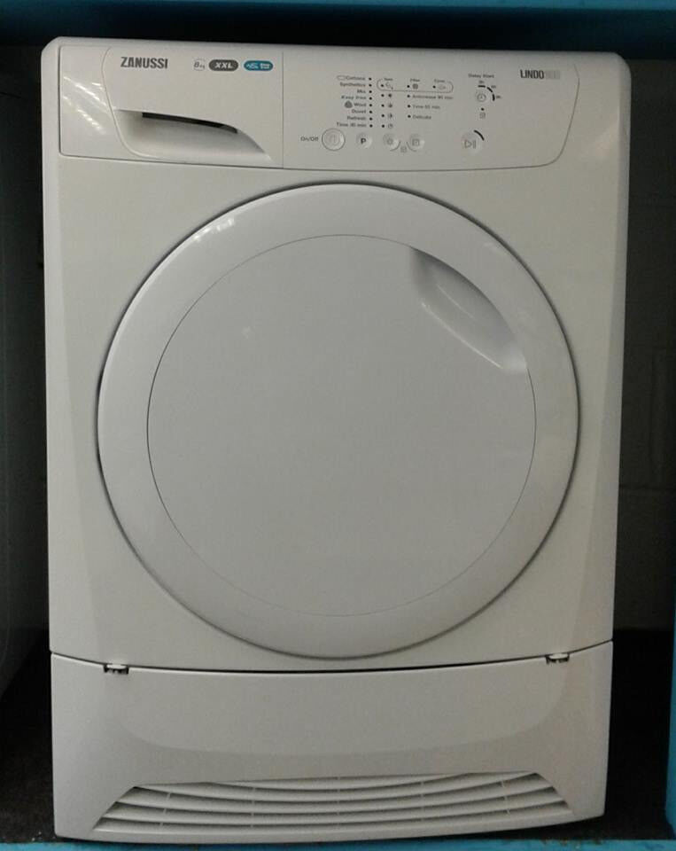 H156 white zanussi 8kg condenser dryer comes with warranty can be delivered or collected