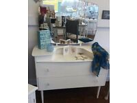 White dressing table with mirror - Furniture