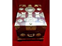 Oriental Rosewood jewellery / trinket / make up box with pop up mirror