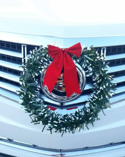 Car Door Or Wall Christmas WREATH PVC With Bow & Bell  by Crafters Square NWT