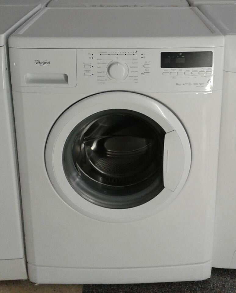 b702 white whirlpool 9kg 1400spin A+++ washing machine comes with warranty can be delivered