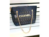 CC STYLE LARGE CHAIN SHOULDER BAG BRAND NEW UNUSED VERY NICE