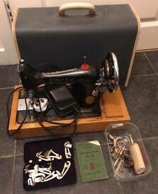 Vintage singer sewing machine in good working order