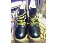 shoes/boots £5 each