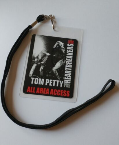 Tom Petty  BACKSTAGE PASS   2-Sided   with signature!    commemorative  look!