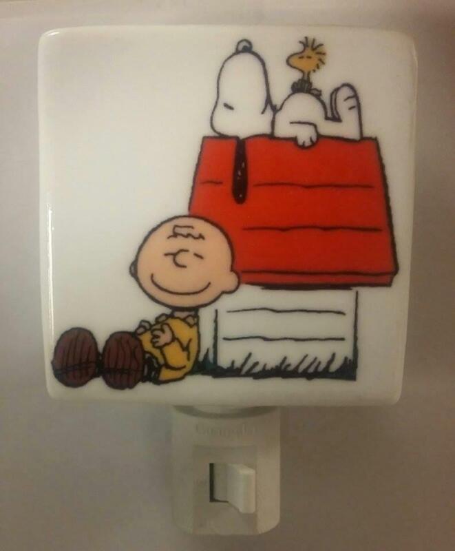 Super Nice Charlie Brown & Snoopy Porcelain Night Light