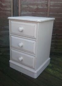 Cream Bedside drawers, table Shabby chic