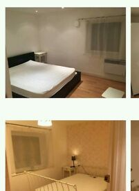 A double bedroomb to let. 2 people for 800 pounds pcm / 1 person for 550 pounds pcm