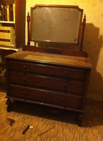 LOVELY VINTAGE DRESSING TABLE £75