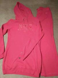 GENUINE NIKE LONGLINE HOODIE AND BOTTOMS SIZE 12/14