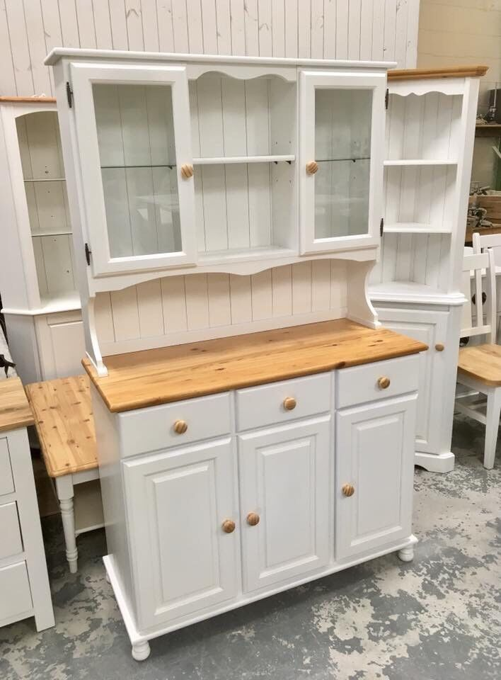 Solid Pine Dresser With Lights In The Top ***£299***